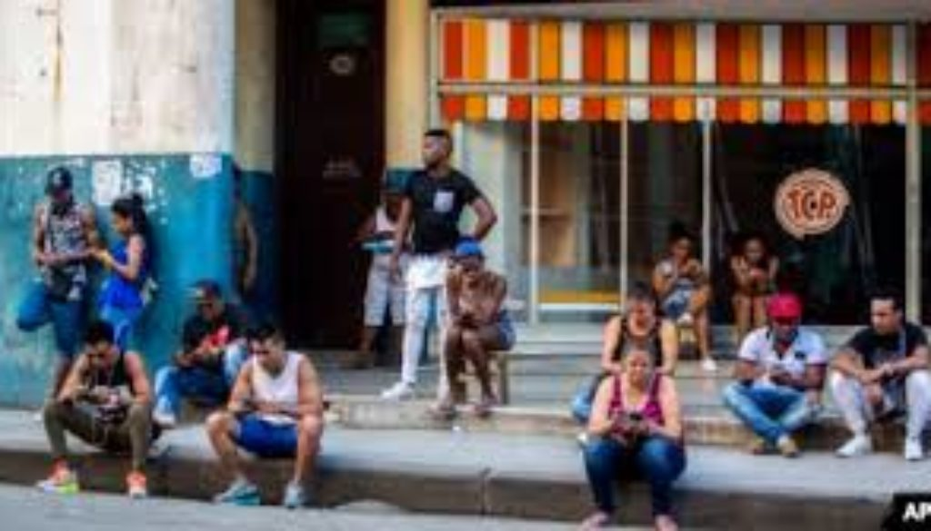 Cuba-is-legalising-private-Wi-Fi-networks-and-the-importation-of-equipment-like-routers-eliminating-one-of-the-worlds-tightest-restrictions-on-Internet-use..jpg