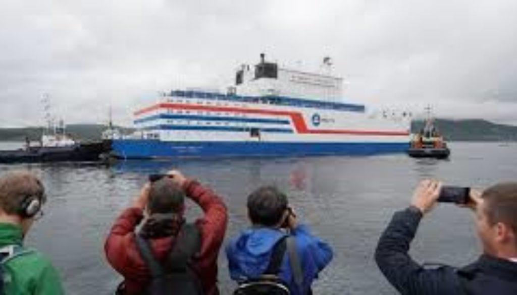 Russia-launches-floating-nuclear-power-Akademik-Lomonosov.jpg
