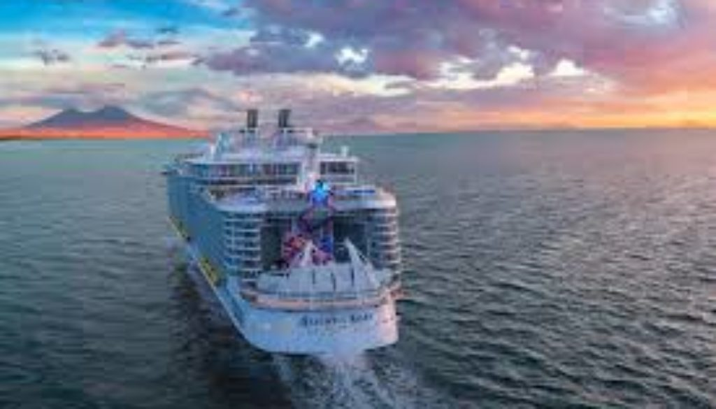 Tropical-Storm-keeps-Allure-of-the-Seas-from-Port-Zante.jpg