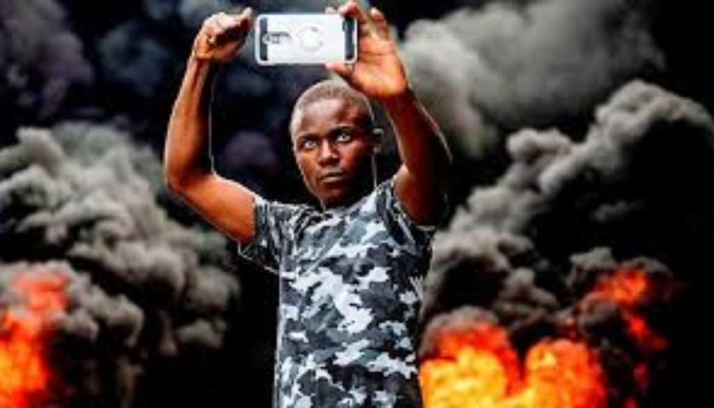 Haiti-police-and-protesters-clash-amid-growing-dissent.jpg