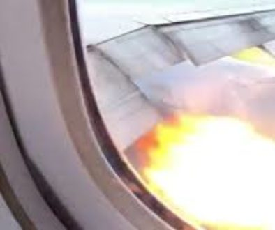 A-Boeing-777-lands-safely-back-in-Los-Angeles-after-flames-shoot-from-an-engine.jpg