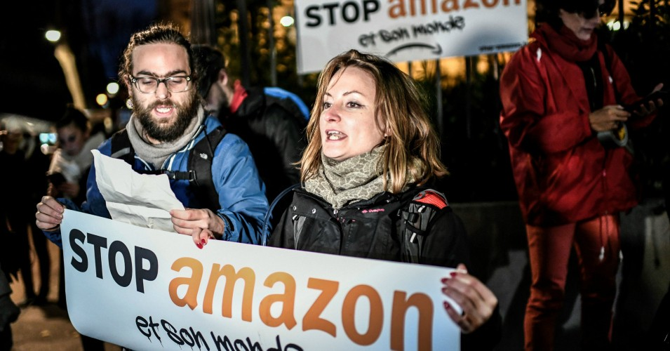 Black-Friday-protest-French-activists-block-Amazon-warehouse.jpg