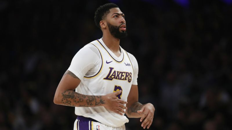 He-can-do-it-all-one-for-the-ages-LeBron-and-Lakers-laud-dominant-Davis.jpg
