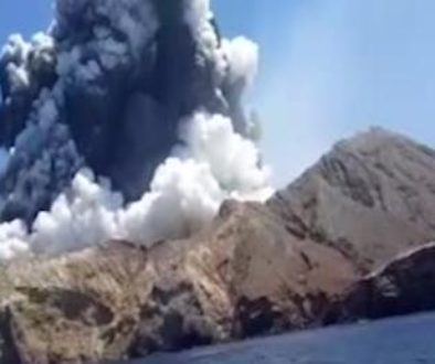 White-Island-volcano-NZ-to-recover-bodies-despite-danger.jpg