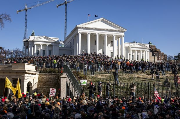 Thousands-of-Gun-Advocates-Gather-for-Rally-in-Virginia.jpg