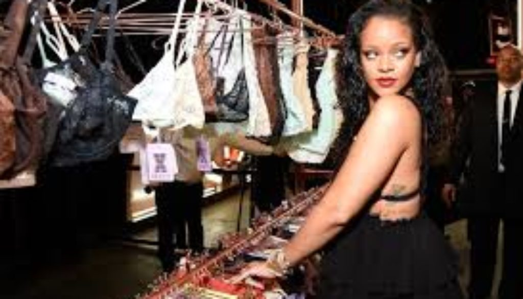 Rihanna-Delivers-Victoria's-Secret-Its-Final-Business-Blow.jpg