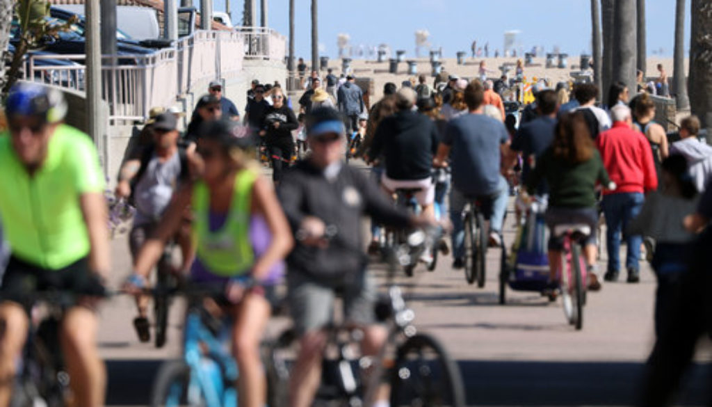 Crowds-packed-California-beaches-despite-shelter-in-place-order.jpg