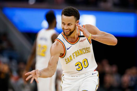 Stephen-Curry-Golden-State-star-scores-23-points-in-comeback-game-v-Raptors.jpg
