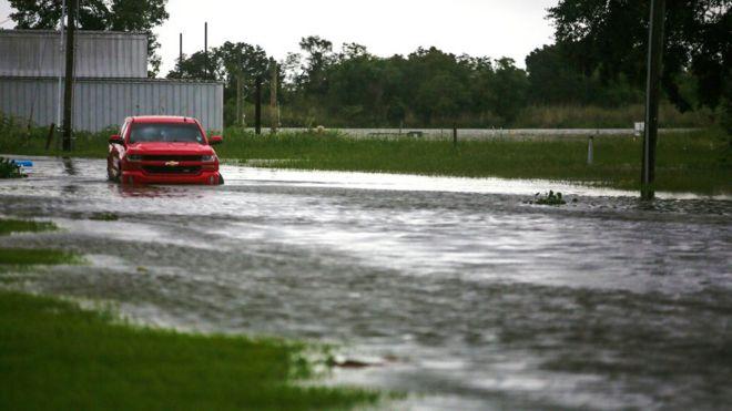 Hurricane-Laura-causes-flash-flooding-as-it-makes-landfall-in-Louisiana.jpg