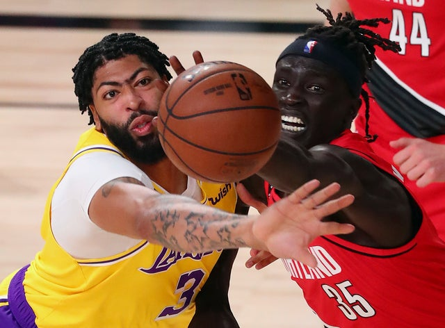 The-Los-Angeles-Lakers-beat-the-Portland-Trail-Blazers-111-88.jpg
